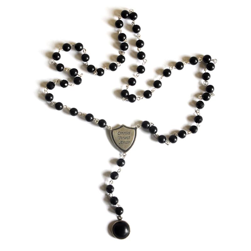 Omnia Vincit Amor, Necklace, Jet, onyx, fine silver, sterling silver, 2012