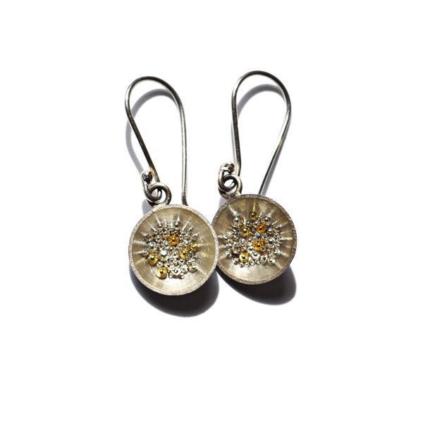 Shining Together, earrings fine Silver, sterling silver, 18ct and 24ct yellow gold, resin, 2006