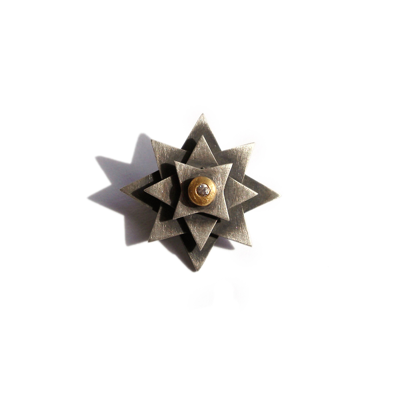 Not all that Glitters is Gold, brooch, sterling silver, 24ct gold, Russian laboratory diamond, 2006