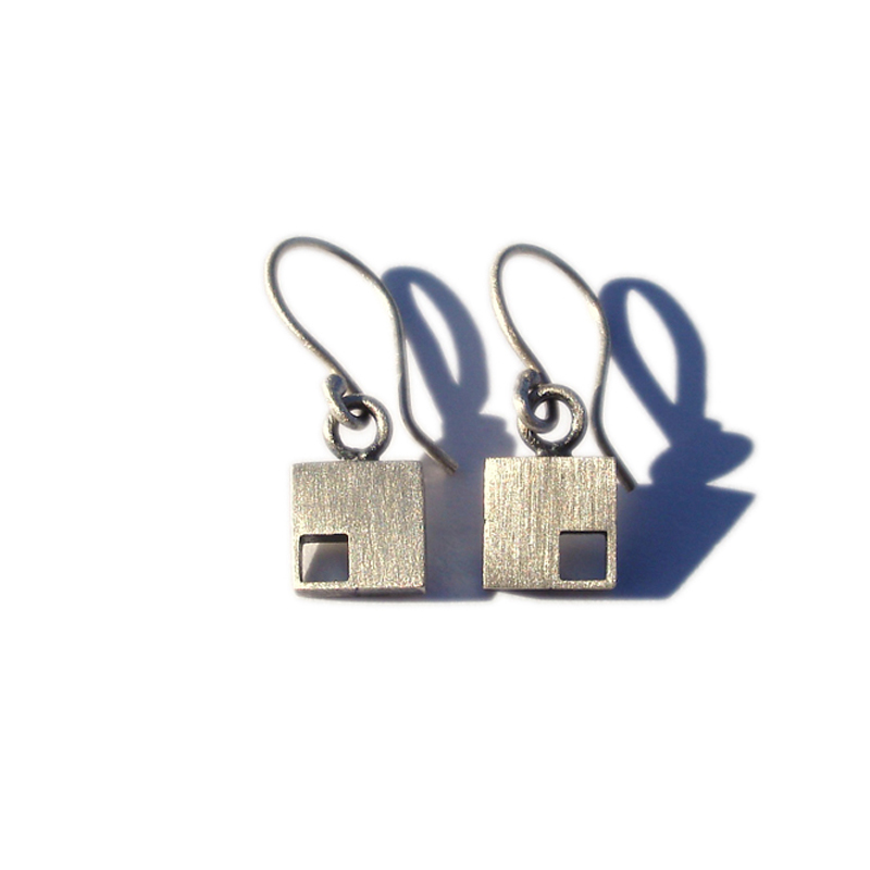The Odd One Out, earrings, sterling silver, 2006
